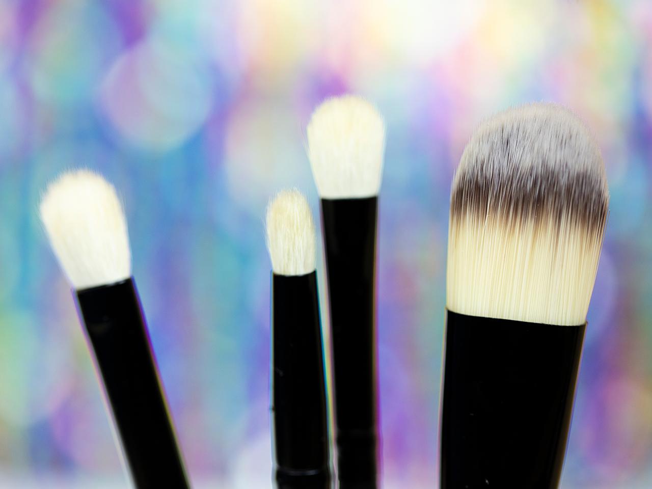 Как очистить кисти для макияжа с минимальными усилиями?